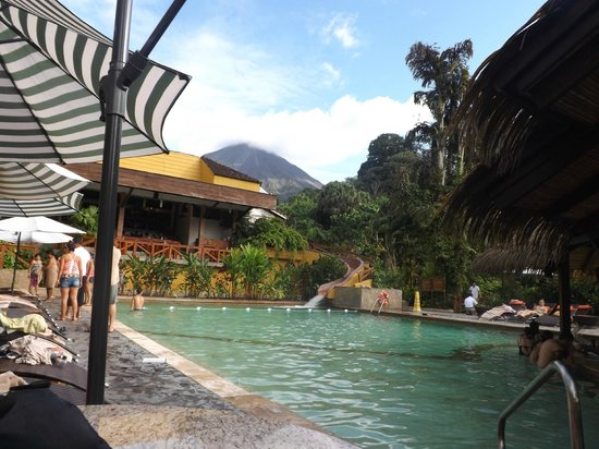 Tabacon Thermal Resort & Spa:                   warm swimming pool with the bar.