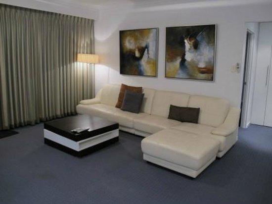 Seashells Mandurah : Salon - penthouse 6e étage