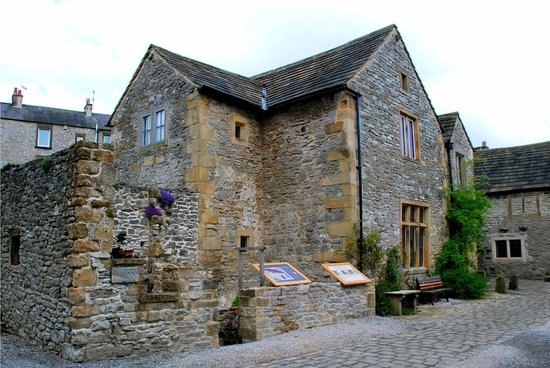 Bakewell Old House Museum:                   Tudor building housing an eclectic collection of artefacts