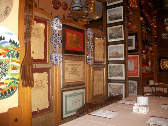 Hotel Agnello d'Oro:                   Dining Room