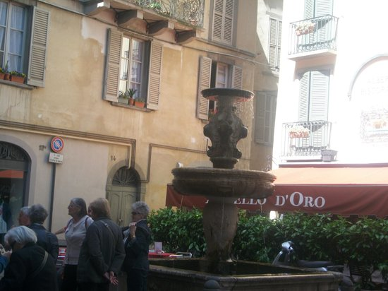 Hotel Agnello d'Oro:                   outside the hotel
