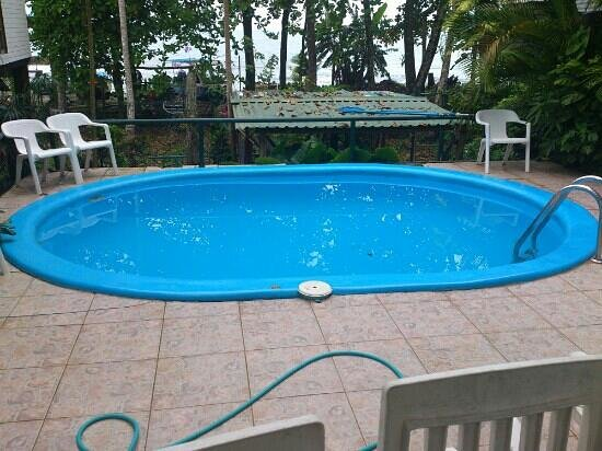Jenny's Cabinas:                   Pequeña piscina