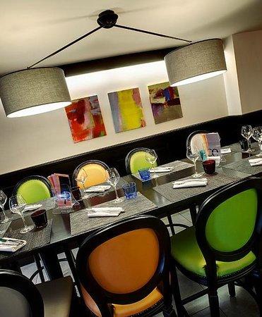 La Place: La table d'hôtes à 8 ,10 ou 12 amis
