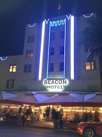 Beacon South Beach Hotel:                   Beacon Hotel on Ocean Drive