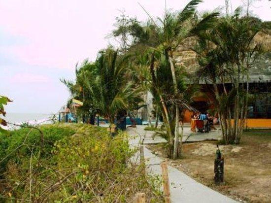 El Acantilado Beach Hotel: Vista del Comedor