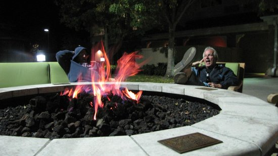 Courtyard by Marriott Novato Marin/Sonoma:                   Fire pit