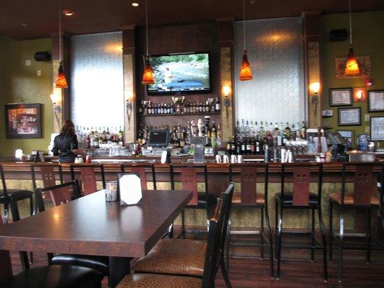 5th Avenue Grille: bar