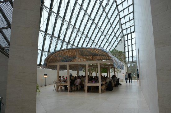 Foyer Des Art Luxembourg : The cafe inside museum picture of mudam luxembourg