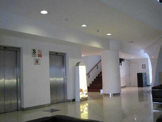 Wyndham Costa Del Sol Lima Airport: Hotel lobby