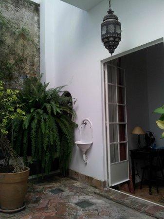 La Tangerina:                   terraza interior de la habitación