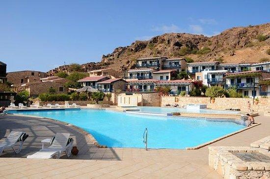 Marine Club Beach Resort:                   Piscina