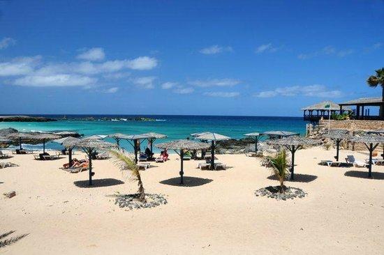 Marine Club Beach Resort:                   Spiaggia Hotel