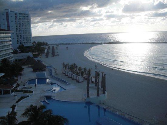 Krystal Cancun:                   Vista en la madrugada