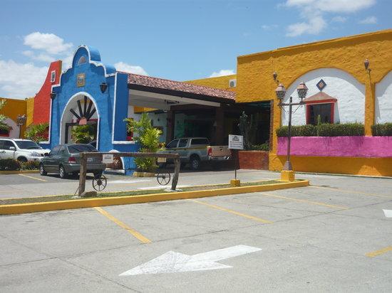 Hotel La Hacienda. Entrada