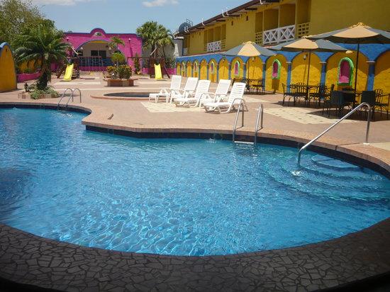 Hotel La Hacienda. Piscina exclusiva para clientes