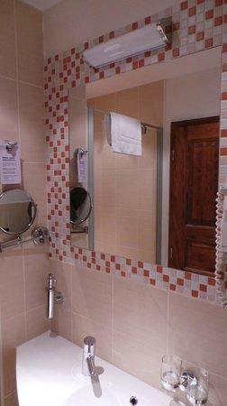 Hotel Residence Agnes:                   Salle d'eau
