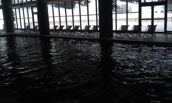 CGH Residence Les Chalets de Flambeau: Empty main pool