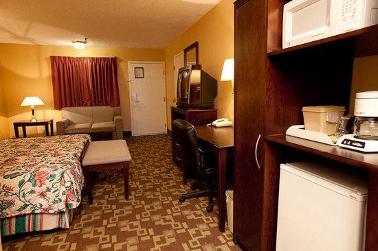 Atrium Hotel: Guest Room