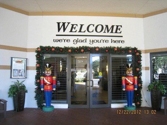 Clarion Inn Lake Buena Vista: Entrada Hotel