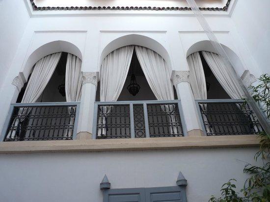 Riad Ariha:                   Eerste verdieping, heerlijke ruimte om lekker te zitten