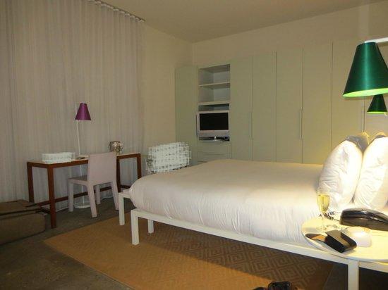 Shore Club South Beach Hotel:                   Bedroom