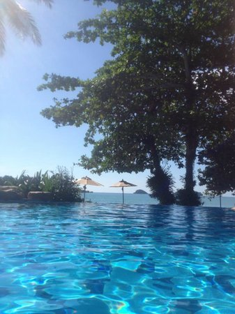 Sea View Resort & Spa Koh Chang:                                                       infinity pool