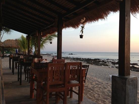 Peace Paradise Beach:                   Restaurant