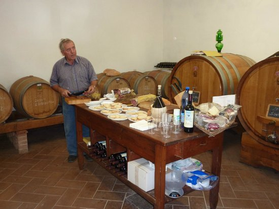 Agriturismo Cretaiole di Luciano Moricciani:                   Treats from the farm