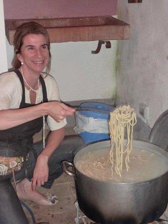 Agriturismo Cretaiole di Luciano Moricciani :                   Isabella and her pici