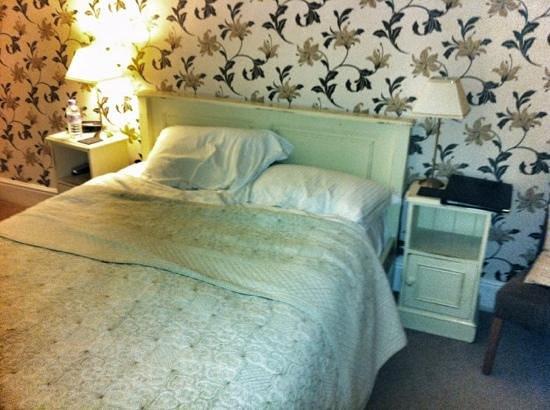 Six Castlegate:                   bedroom