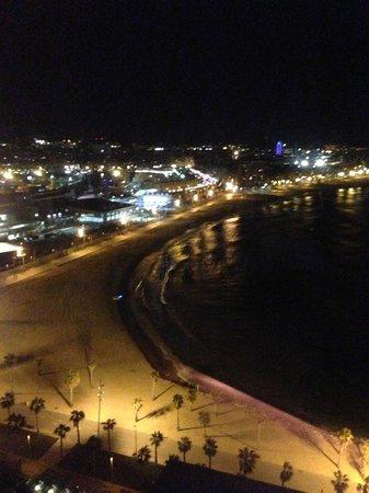 W Barcelona:                   Noche en la habitación