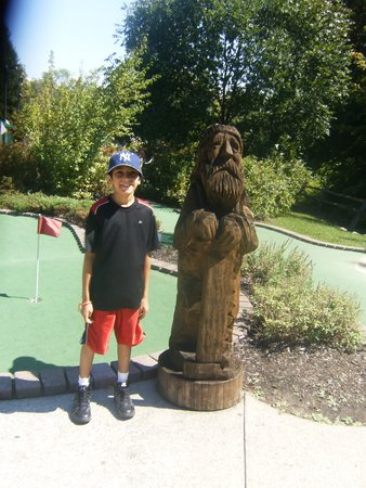 Lumberjack Pass Miniature Golf : Here's Arthur hugging a Lumberjack!
