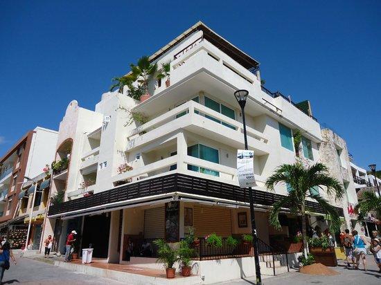 Hotel El Punto:                   Fachada do hotel
