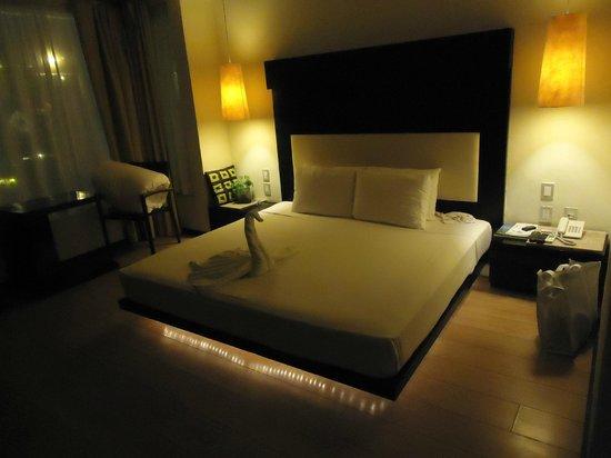 Hotel El Punto:                   O quarto ao chegar no hotel a noite