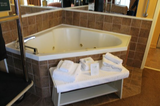 Chesapeake Beach Resort and Spa:                   Jetted Tub