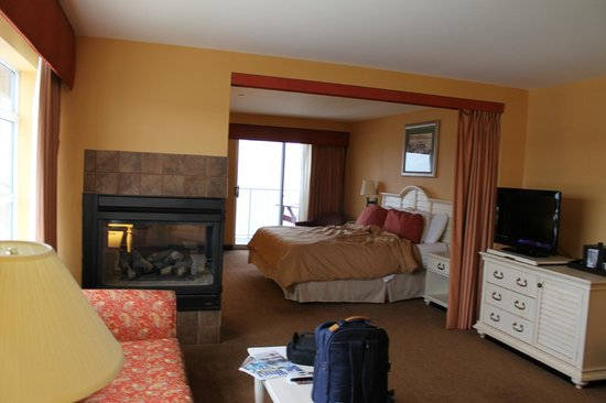 Chesapeake Beach Resort and Spa:                   bedrrom