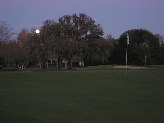 Plantation on Crystal River:                   full moon on golf course