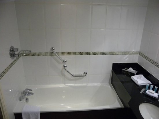 Hilton Manchester Airport: Good bathtub