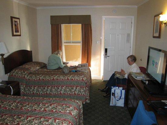 Berkeley Rodeway Inn:                   Room view