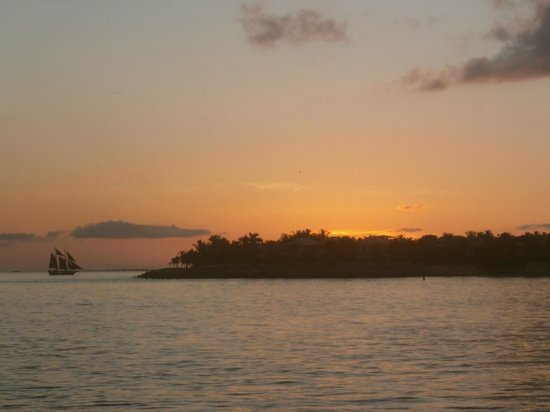 Mallory Square: Sailing into the sunset.......