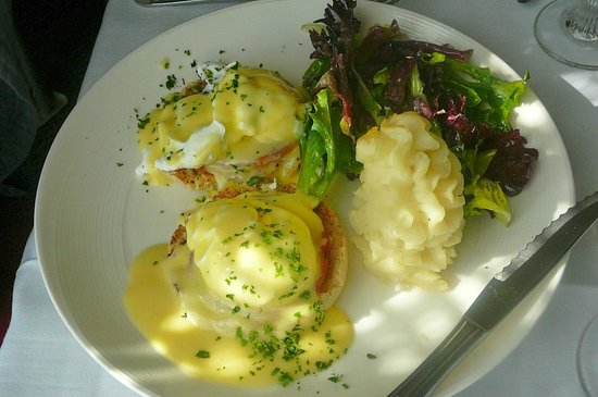 eggs benedict picture of bon appetit restaurant seaford tripadvisor. Black Bedroom Furniture Sets. Home Design Ideas