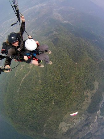 日出滑翔伞之旅