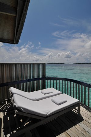 Cocoa Island by COMO: Private terrace