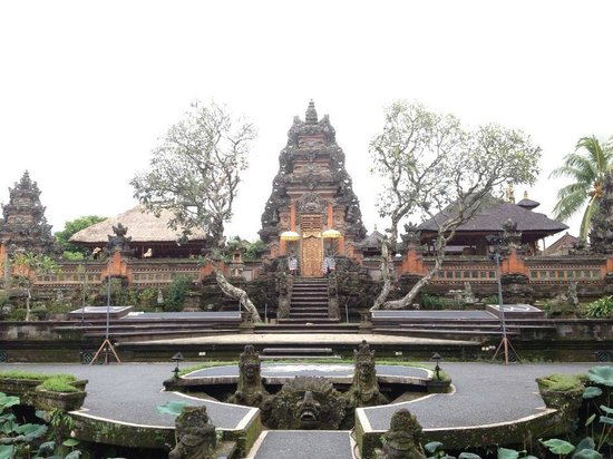 Agus Bali Private Tours:                   Royal Family Temple in Ubud