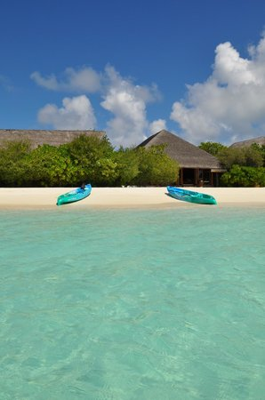 Cocoa Island by COMO: Kayak time (free rental)