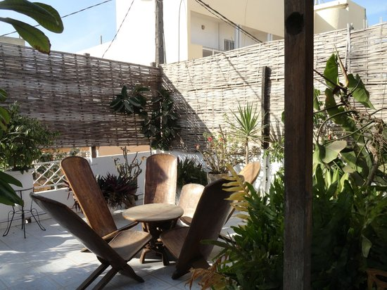 Espace Thialy:                   Terrasse