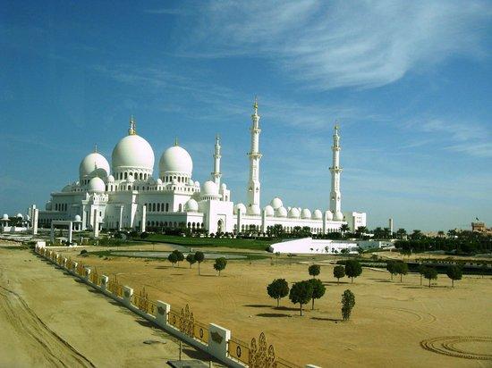 Scheich-Zayid-Moschee: Moschea