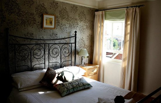 1 Park Row B&B: Room 3 with views over Farnham