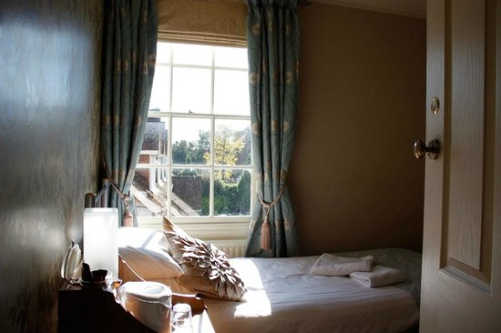 1 Park Row B&B: Room 5 with views over Farnham