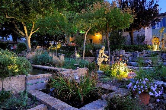 Une Campagne en Provence : Geniessen Sie einen erholsamen Abend in der Provence